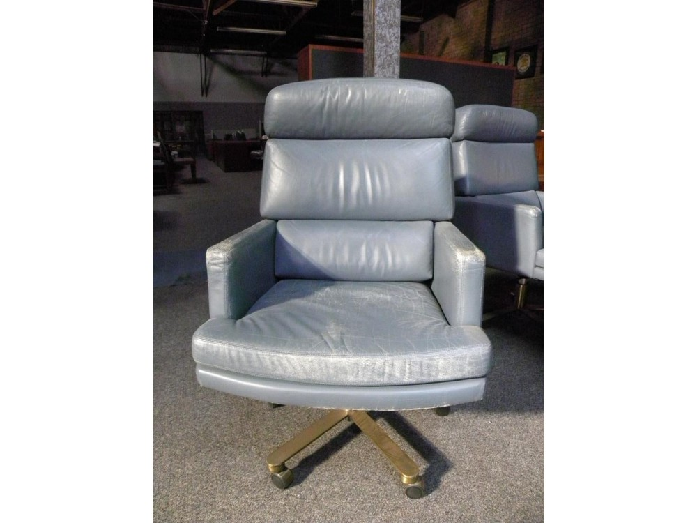 Fortress Brand Executive Leather Collector 39 S Chair Set Of 12