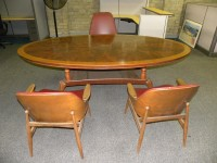 Traditional Style Oval Shaped Antique Meeting Table, Mahogany