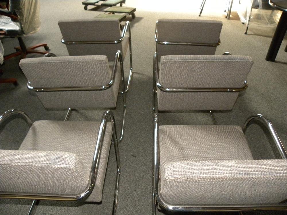 Mies van der Rohe Tubular Chrome Brno Chairs by Knoll, Gray fabric | second hand furniture brno