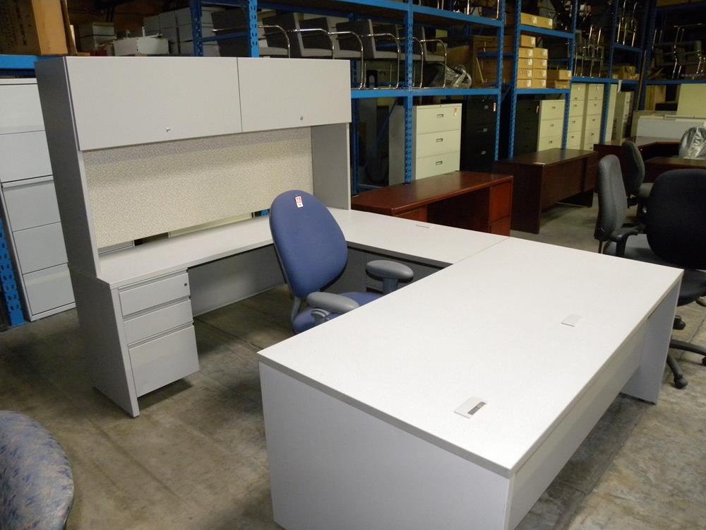 Herman Miller U Shaped Desk With Locking Pedestals And Overhead Hutch Light Gray