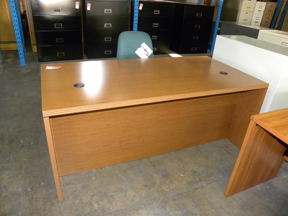 used double oak executive hon pedestal desk