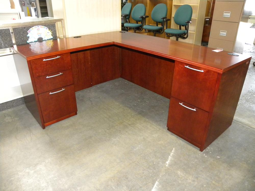 used r series veneer l shaped desk with double pedestals by paoli rh wardofficefurniture com used l shaped desk with hutch used l shaped desks for sale